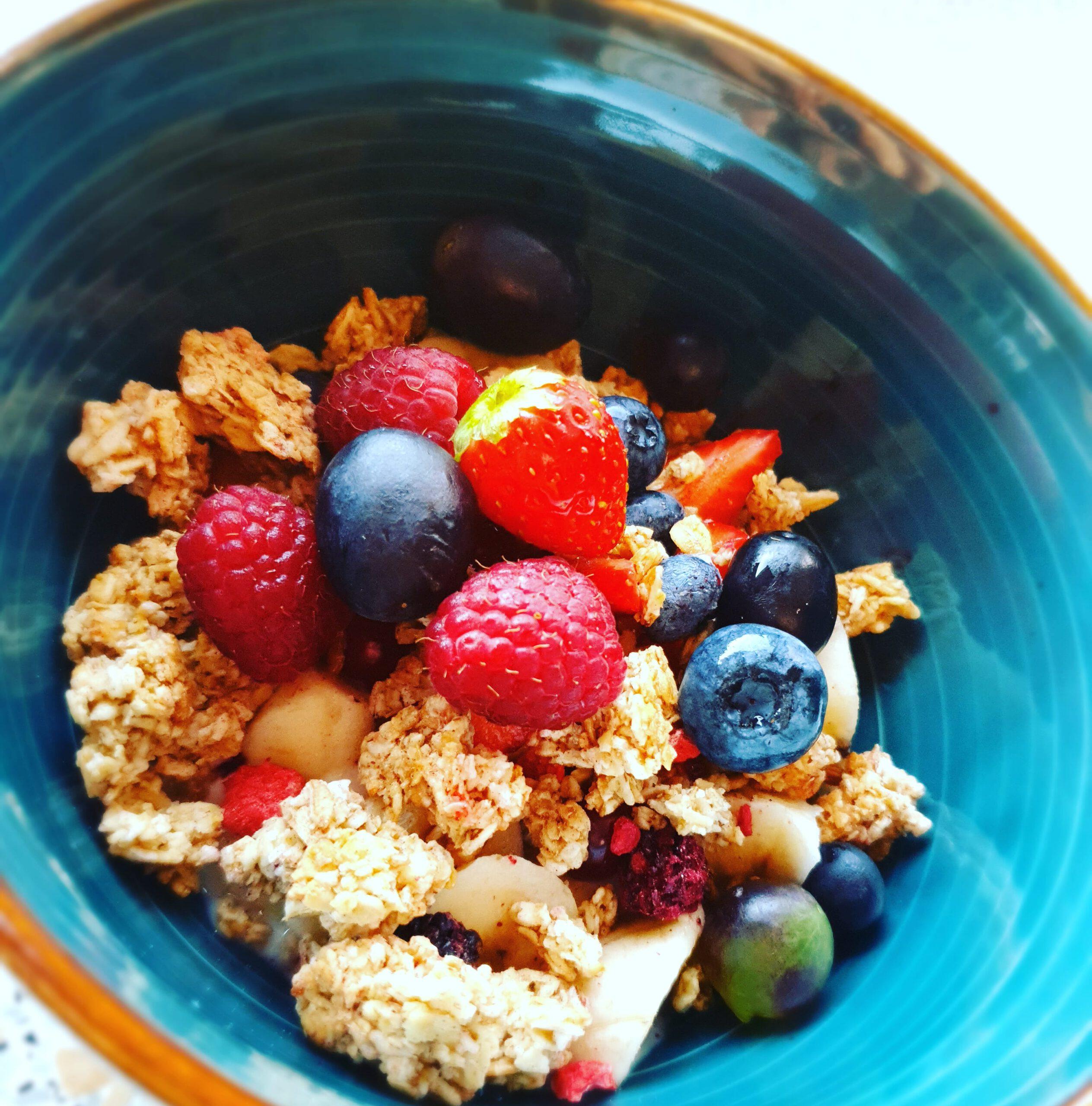 Joghurt-Beeren-Crunch